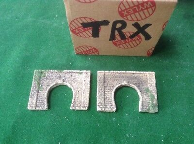 2 X Z Scale Brick Type Single Track Tunnel Portals Pre Painted - With Foliage