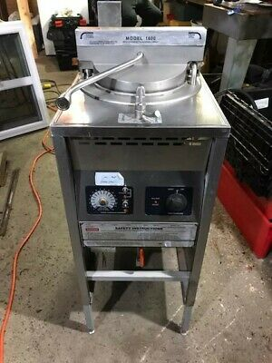 Broaster 1600 Pressure Fryer W/ Filter Box 240 Volts 3 Phase Tested