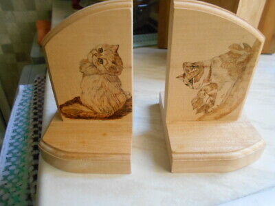 wooden cat bookends