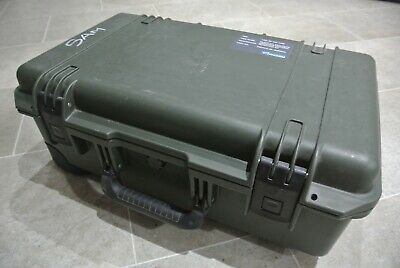 PELI STORM iM2500 CASE RETRACTABLE HANDLE AND WHEELS