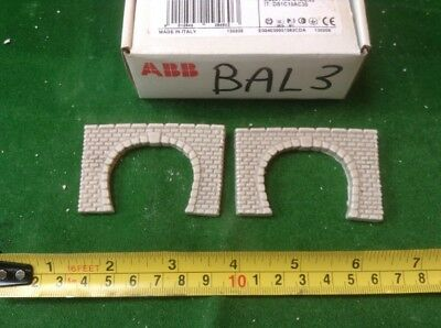 2 X Twin Track Z Scale Tunnel Portals, Painted ( Pale Grey)