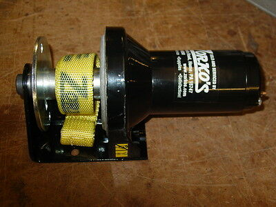 NEW SNOWBEAR Winch OLD STYLE Superwinch 2 bolt 1102d with strap $100 core refund