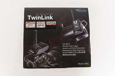 TwinLink Wireless Flash Trigger Model T2D