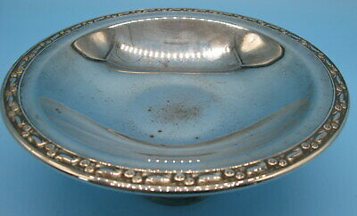 Vintage Oneida Silversmiths Silver Plated Pedestal Candy or Nut Bowl