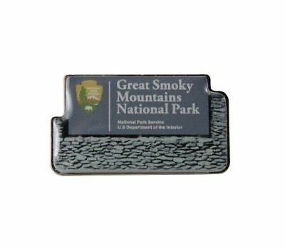Great Smoky Mountains National Park Welcome Sign Lapel Pin