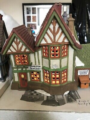 Department 56 Heritage Village Collection set, numerous buildings