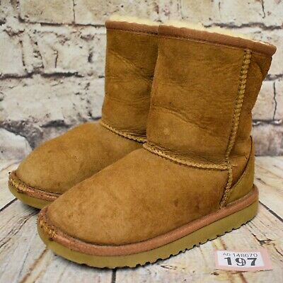 Junior UGG Australia Classic Short Pull On Ankle Winter Boots UK 3 EUR 34 US 4