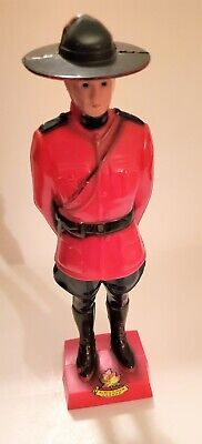 Old Plastic Figure to 3 7//8in Mountie Canadian Policeman Horseman Rider Hausser