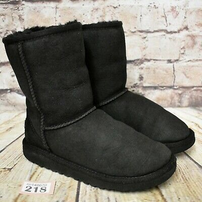 Kids UGG Australia Black Classic Short II Sheepskin Boots UK 1 EUR 32 Model 5251
