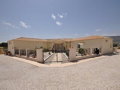 4 Bedroom Spacious Villa In Salinas Alicante Equestrian Land