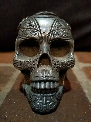 Frost PCT 2005 Decorative Skull Ashtray Heavy Metal Rose Lion Design CE3