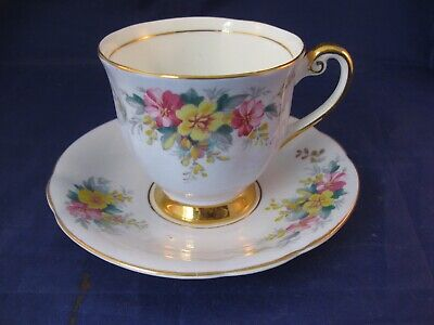 Vintage Windsor Tea Cup and Saucer - Bone China - Made in England