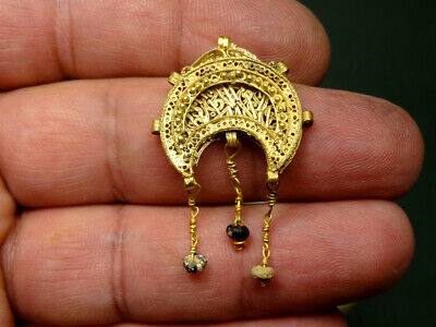 Byzantine Gold Crescent Pendant Open Work Design 400-700 Ad