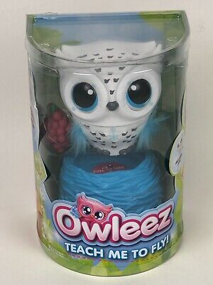 Owleez, Flying Baby Owl Interactive Lights Sounds Kids 6+ White