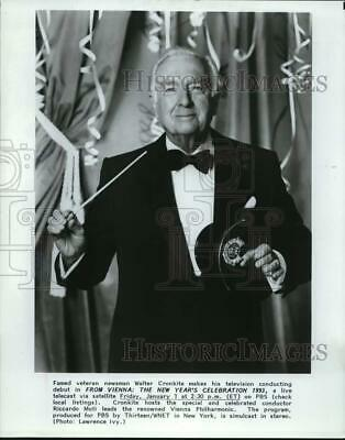 """Press Photo Walter Cronkite in """"From Vienna: The New Year's Celebration 1993"""""""