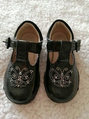 Girls Clarks Flashing lights Black Patent Leather Shoes Size 4.5 F
