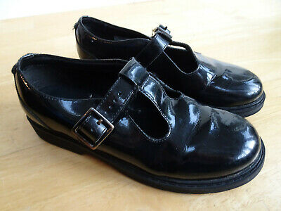 CLARKS older girls black patent leather T bar style school shoes UK 2 F EXCELLEN