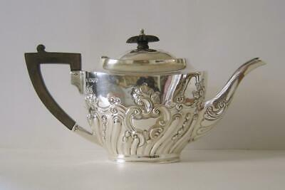 An Ornately Embossed Antique Sterling Silver Teapot Chester 1906 493 Grams