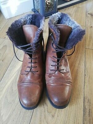 Ladies Clarks Leather Ankle Boots Size Uk 6 D Fur Winter Embassy