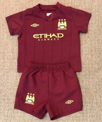 Infant Manchester City away football kit size 6-12 months Umbro 2012-2013