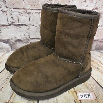 Kids UGG Australia Brown Classic Short II Sheepskin Boots UK 2 EUR 33 Model 5251