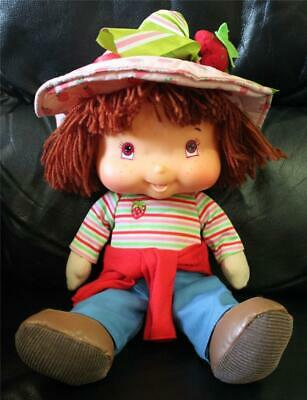 Singing Strawberry Shortcake Plush Doll 2004 ~ Excellent Condition