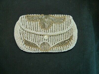 Beautiful Art Deco Beadwork Small Clutch Bag with Button closer1930's