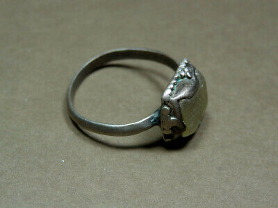 Islamic Silver Ring With Glass Stone 900-1200 Ad