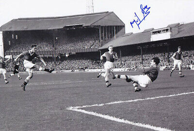 AUTOGRAPHED ASTON VILLA 12x8 PHOTO 1957 : NIGEL SIMS (016)
