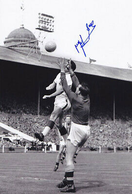AUTOGRAPHED ASTON VILLA 12x8 PHOTO 1957 : NIGEL SIMS (018)