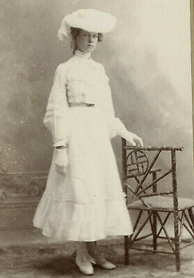 Antique Photo Cabinet Card LOVELY YOUNG WOMAN FASHION by MERRYMAN KERKHOVEN MINN
