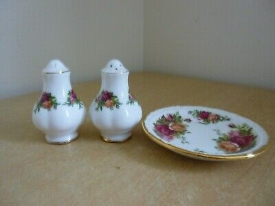 Royal Albert Old Country Roses Salt & Pepper Pots with small dish/tray
