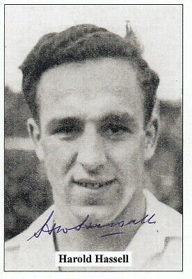 Hand Signed Jf Sporting Trade Card : Bolton Wanderers - Harold Hassall