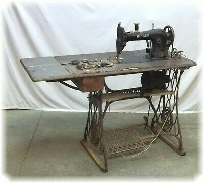 1928 Singer Model 31 Tailor Sewing Machine Table Professional Treadle Industrial