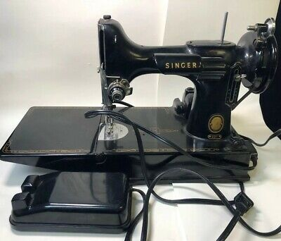 Singer Portable Electric Featherweight Sewing Machine #221 AL703017