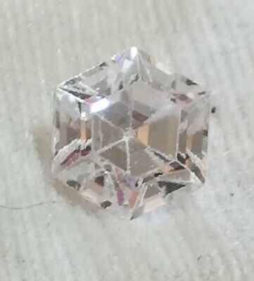 Diamante Ct. 4.45 D/IF taglio esagonale Excellent Triplo Excellent.