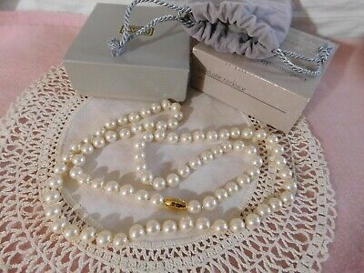 PRETTY BEAD COLLECTION IN USEFUL STORAGE BOX FLOWERS /& PEARLS...........BC002L