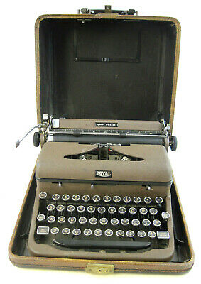 Vintage 1941 Royal Quiet De Luxe Portable Typewriter with Case - Works Great
