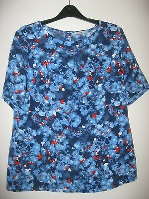 LADIES / GIRLS TU BLUE FLORAL BACK BUTTONING SHORT SLEEVED BLOUSE. Size 14.