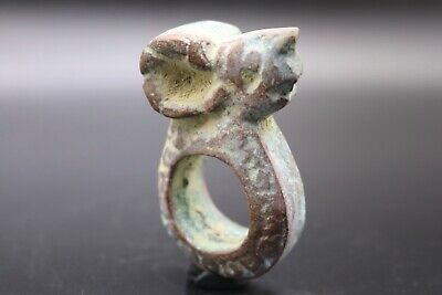 Circa 700-1000 AD - ANCIENT BYZANTINE WONDERFUL GIANT BRONZE ANIMAL RING