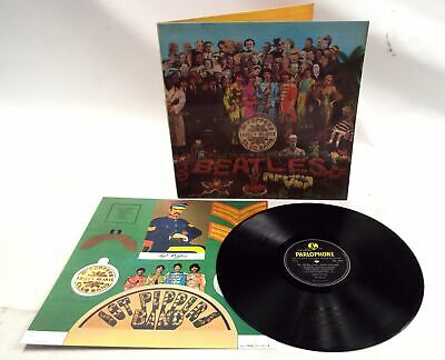 THE BEATLES 'Sgt Pepper's Lonely Hearts Club Band' Mono Vinyl Lp + Insert - D33