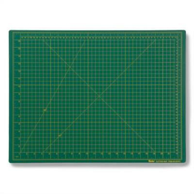 Darice 18-Inch-by-24-Inch Green Cutting Mat, Grade A (97573)