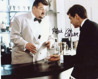 JAMES BOND Robbie Coltrane 'Goldeneye' Autograph Signed AFTAL & UACC