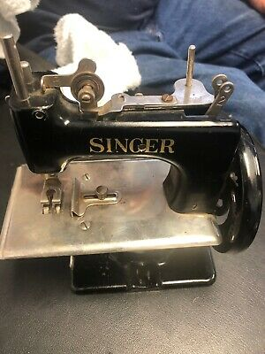 Vintage 1951 Singer SewHandy  100th Anniversary Sewing Machine/Case