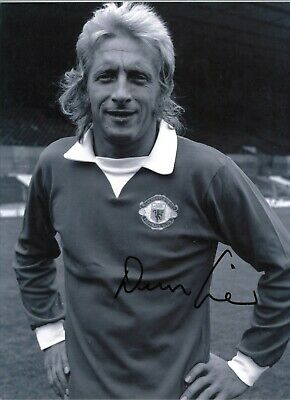 Denis Law Man United Authentic Signed 16 x 12 inch football photo AFTAL GK0508b