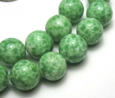 "9"" Strand Of 25 Beautiful Old Green Speckled Japanese Vintage Glass Beads"