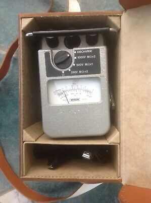 Vintage wind up Megger ohm meter, MJ8 model In rare A1 working condition