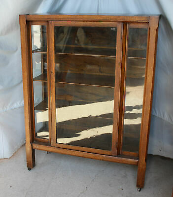 Antique Mission Oak China Cabinet Curio – original finish - Arts & Crafts Style