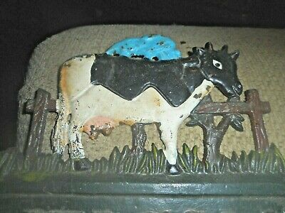 Cast Iron DAIRY COW Sign Garden Stake Home Decor Plaque /VERY CUTE DECORATION