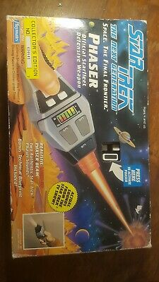 Star Trek Next Generation Phaser Collectible 1992 boxed